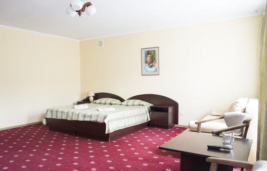 Полулюкс семейный А - №18 (1-й этаж)